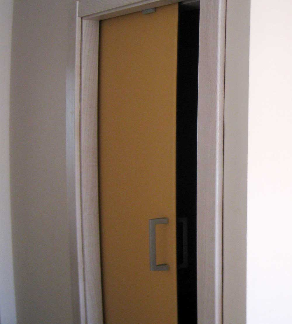 Puertas de cristal de color y acero inoxidable Vidresteel